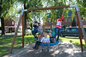 Het wijkbudget financiert de plaatsing en renovatie van speeltoestellen.